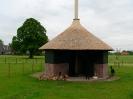 Hooiberg dierenverblijf met rieten dak, Hengelo Gld